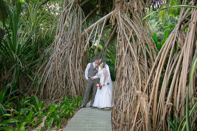 Wedding at Ylang Ylang Beach Resort - Wedding photography in Costa Rica by John Williamson