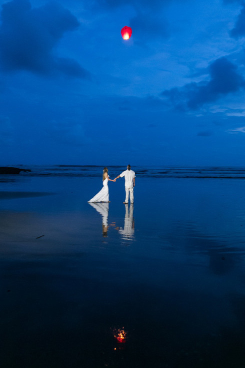 Wish Lanterns at Beach Wedding in Dominical Costa Rica - Photography by John Williamson